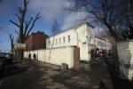 На участок для бомжей в Петербурге пригнали ОМОН: Фоторепортаж