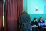 На женщину, совершившую вброс на выборах в Петербурге, завели дело: Фоторепортаж