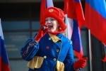 """На городском цирке появилась растяжка: """"Выборы без выбора!"""". : Фоторепортаж"""