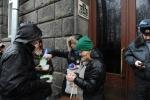 Фоторепортаж: «акция у НТВ с лапшой»