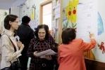 Фоторепортаж: «На женщину, совершившую вброс на выборах в Петербурге, завели дело»