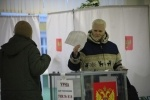 Шесть тысяч человек незаконно зарегистрировали в избирательной комиссии: Фоторепортаж