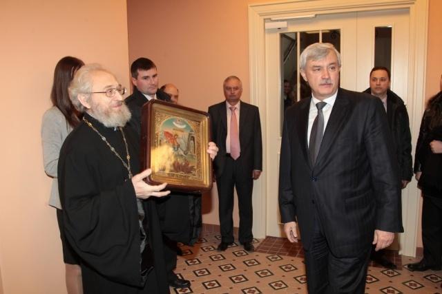 Губернатор Петербурга ввел сухой закон в столовой Смольного: Фото