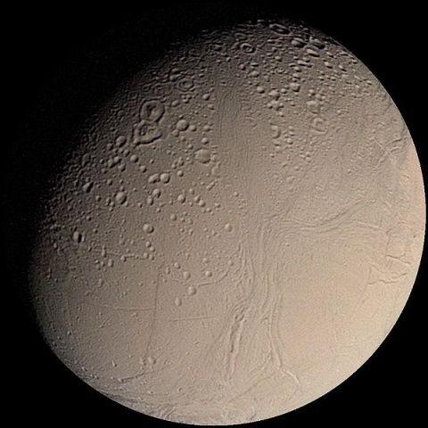 600px-Enceladus_from_Voyager.jpg