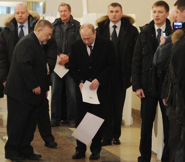 Путин будет новым президентом России, второго тура не будет: Фото