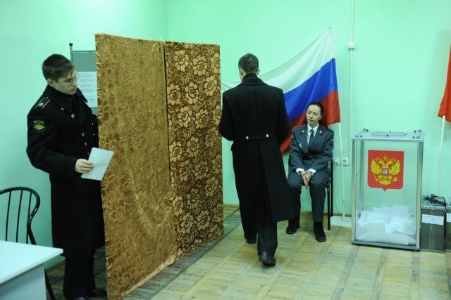 На женщину, совершившую вброс на выборах в Петербурге, завели дело: Фото