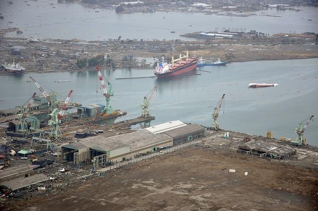 Цунами и землетрясения в Японии: Фото