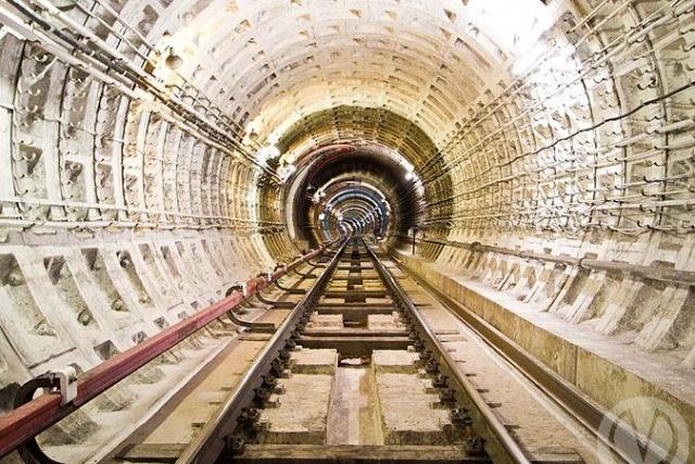 Тоннели петербургского метро: Фото