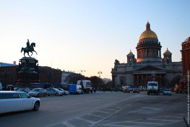 Митинг на Исаакиевской площади 6 марта: Фото