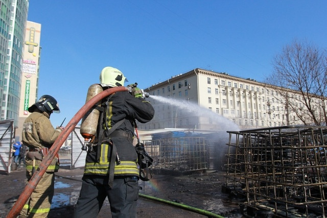 пожар на варшавской: Фото