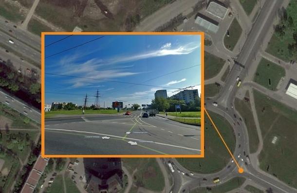 Некачественная дорожная разметка отбирает у водителей права в Петербурге