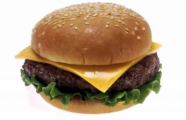 В Петербурге каждый восьмой школьник страдает от ожирения