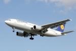 Lufthansa отменила рейс из Петербурга из-за забастовок в Германии