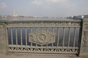 Дворцовый мост закроют на ночь