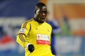 В футболиста «Анжи» банан бросил фанат его же клуба