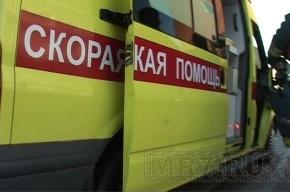 В Петербурге безумная женщина вышла в подъезд и сожгла себя