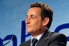 Сын Николя Саркози закидал полицейского помидорами и бильярдными шарами