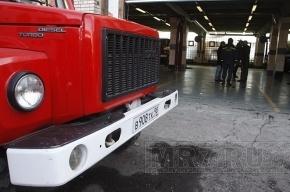 К «Невскому паласу» приехали пожарные, но пожара нет