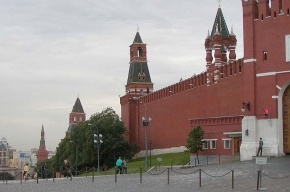 Медведева с мигалкой на голове не пустили в Кремль