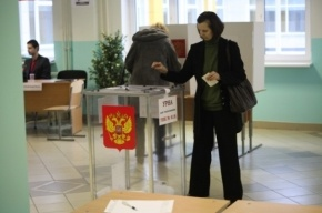 На участок №16 в Петербурге наблюдатели попали, применив силу