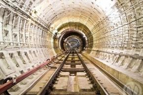 В метро Петербурга поезда встали из-за рабочих, заплутавших в тоннеле