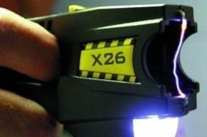 Полицейские Петербурга ищут педофила, вооруженного электрошокером