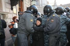 Оппозиция в Петербурге хочет митинговать на Марсовом поле и Конюшенной площади