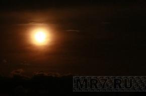 Серьезная магнитная буря из-за Солнца захватит Землю на целый вечер