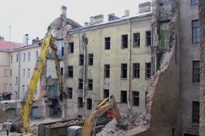 Чиновники утверждают, что исторический дом на Фонтанке не сносили