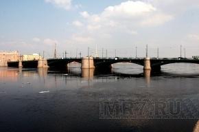 Биржевой мост сегодня ночью разведут для ремонта