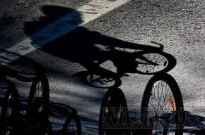 Суровый челябинский велосипедист доехал до Петербурга, чтобы навестить могилу бабушки