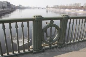 Биржевой мост в Петербурге снова разведут сегодня ночью