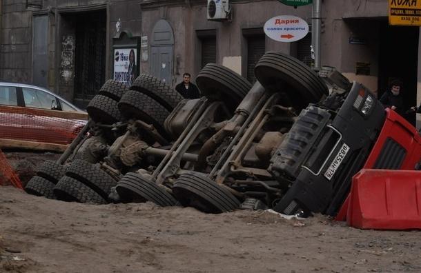 Рейтинг: в каких районах Петербурга хуже всего ремонтируют дороги