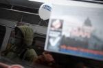 """Фоторепортаж: «Оппозиция устроила акцию """"Белое метро""""»"""
