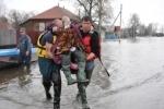 Из затопленного поселка Кадом эвакуировали 300 человек : Фоторепортаж