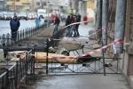 Гибель рабочего на Невском, 6 апреля: Фоторепортаж