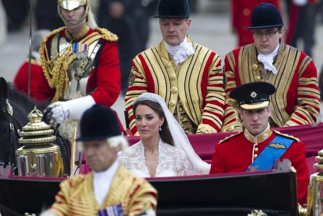 Принц Уильям и Кейт Миддлтон отмечают первую годовщину свадьбы: Фото