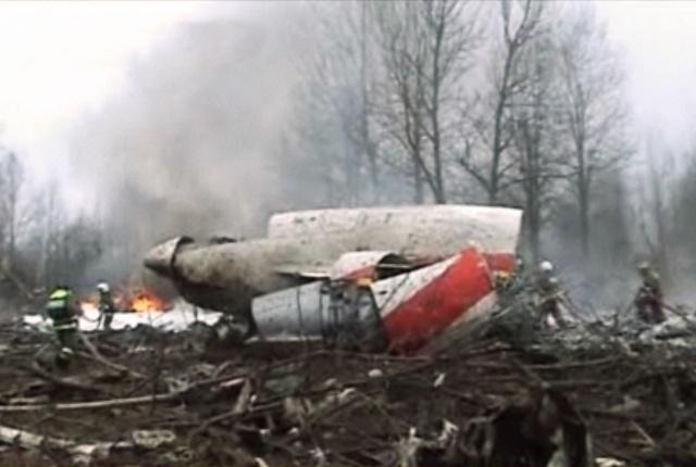 Польский самолет разбился под Смоленском: Фото