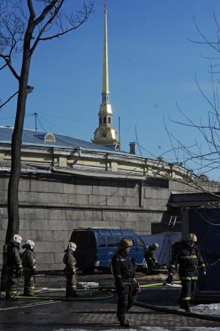 пожар у Петропавловской крепости: Фото