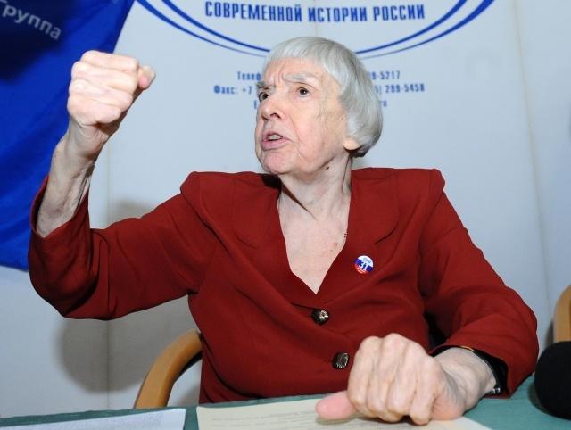 Людмила Алексеева: Фото