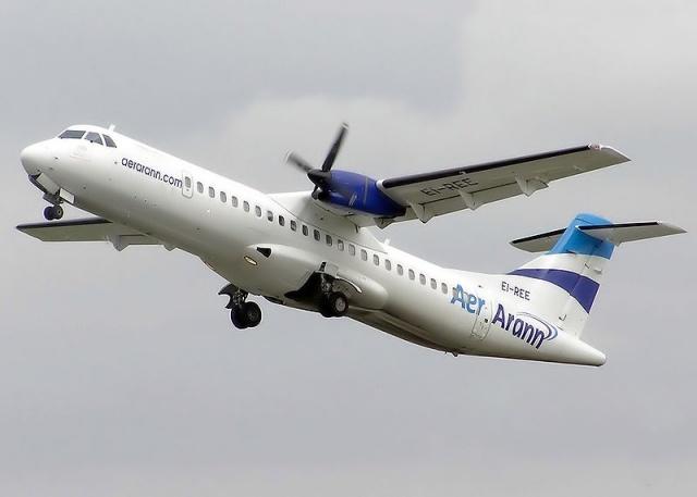 Самолет ATR 72 авиакомпании UTair упал под Тюменью: Фото