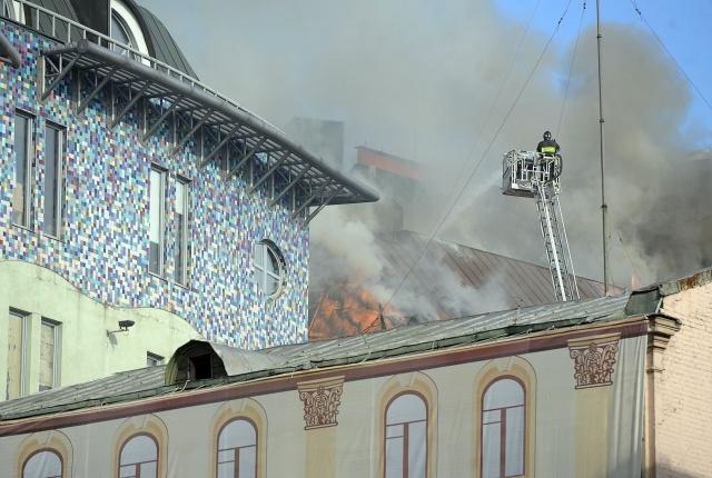 Пожар в Москве (Никольская улица): Фото