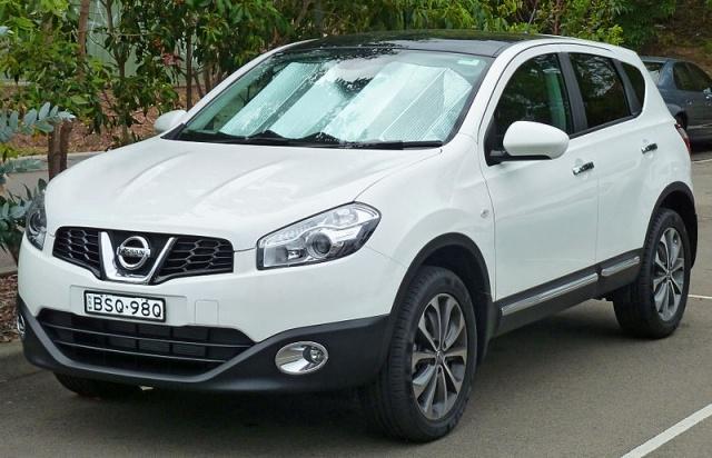 800px-2010_Nissan_Dualis_(J10_Series_II)_Ti_wagon_(2011-03-14)_01.jpg