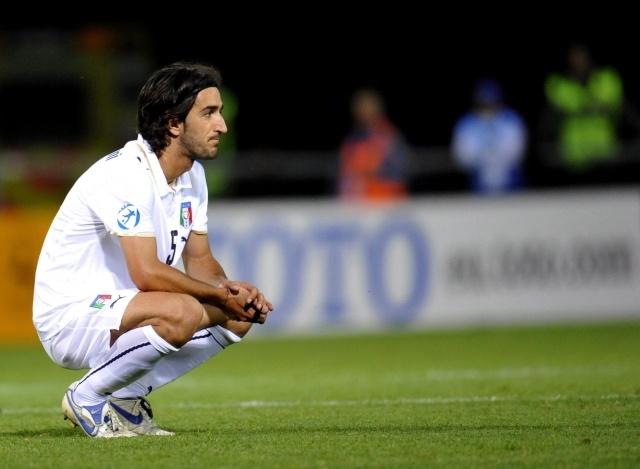 Пьермарио Морозини умер на поел во время матча: Фото