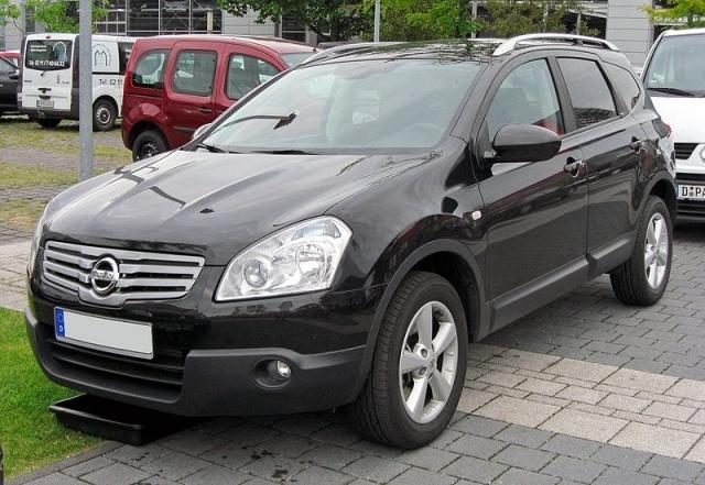 800px-Nissan_Qashqai+2_20090620_front.JPG
