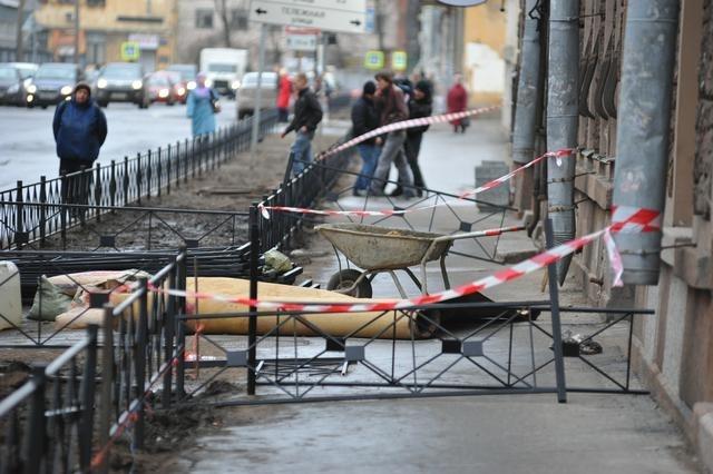 Гибель рабочего на Невском, 6 апреля: Фото