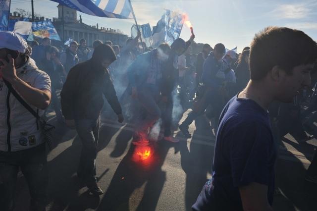 Шествие фанатов Зенита в Петербурге: Фото