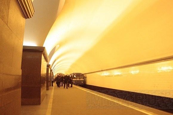 Метро «Площадь Ленина»: Фото