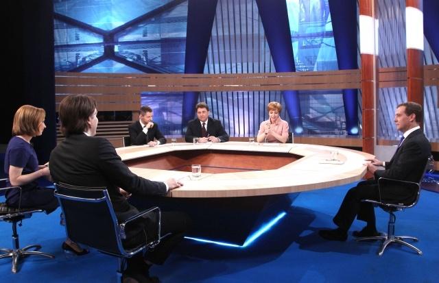 Интервью Медведева пяти телеканалам: Фото