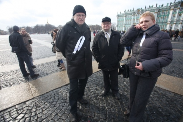 На Дворцовой площади Петербурга завершилась акция оппозиции: Фото
